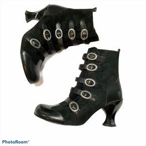 JOHN FLUEVOG | Vintage Black Heel Suede Boots